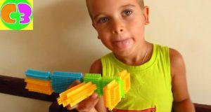Игрушки Игольчатый Конструктор Bristle Blocks Савва собирает животных Toys Stackadoos Bristle Blocks